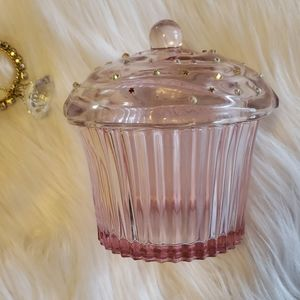 Small glass cupcake with lid